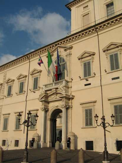 http://italia.webby.no/db/fileupload/montecitorio.jpg